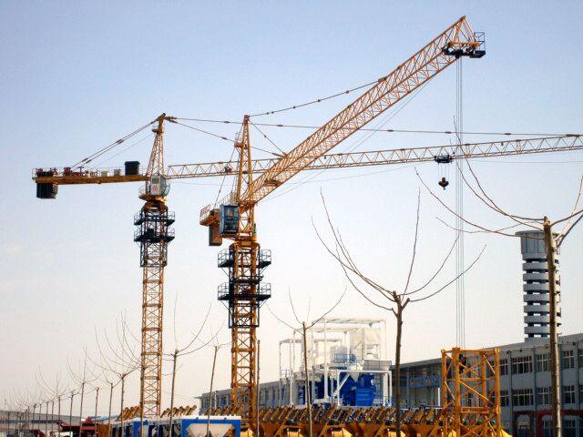 QT6015 hammerhead crane